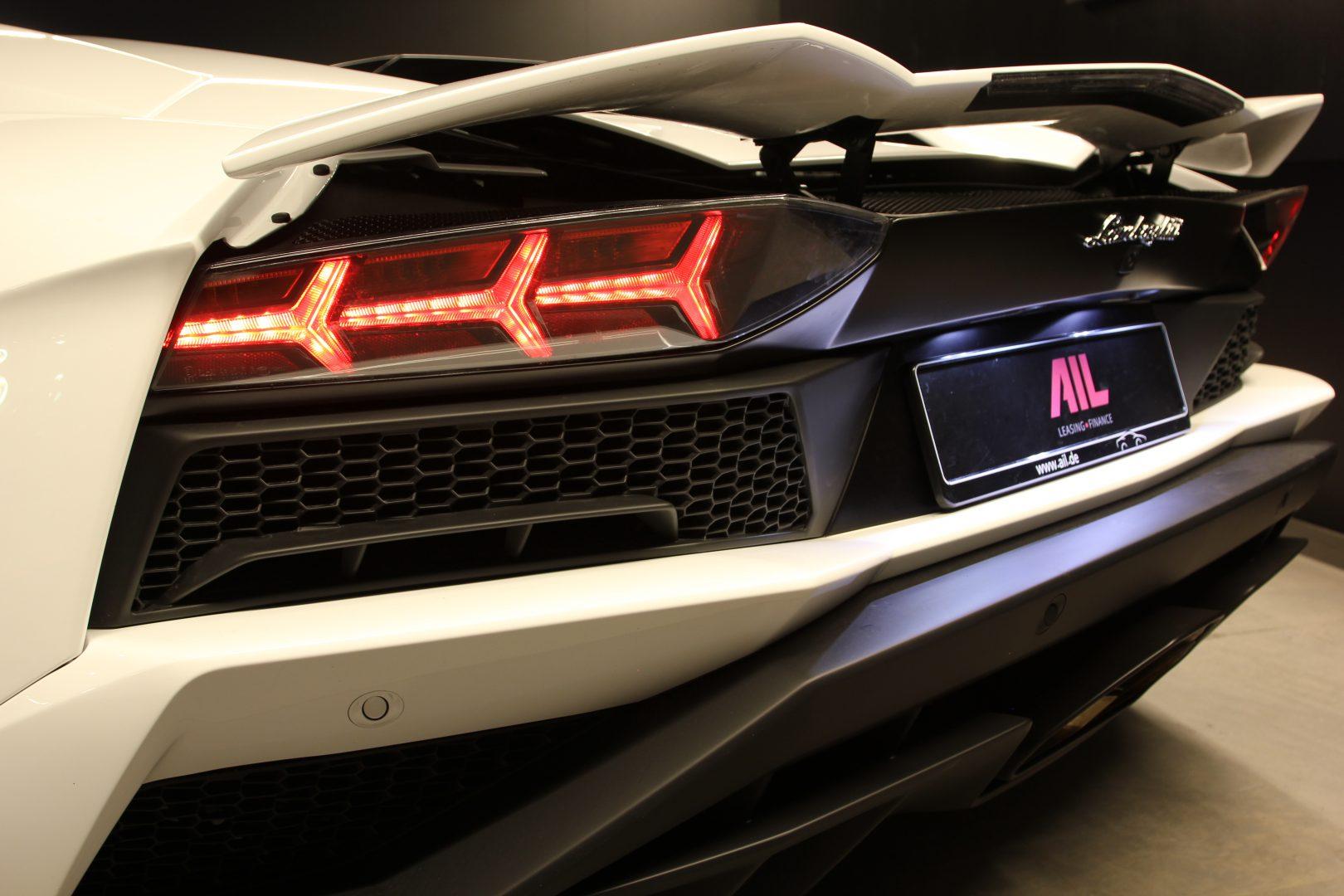 AIL Lamborghini Aventador S Roadster 15