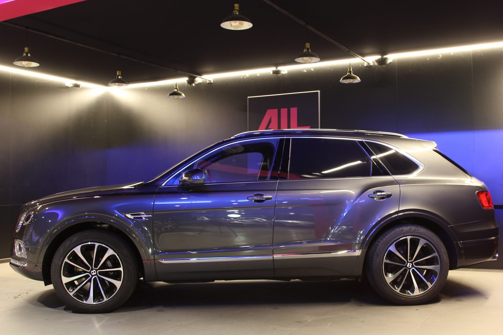 AIL Bentley Bentayga V12 Bi-Turbo RSE Panorama DAB 1