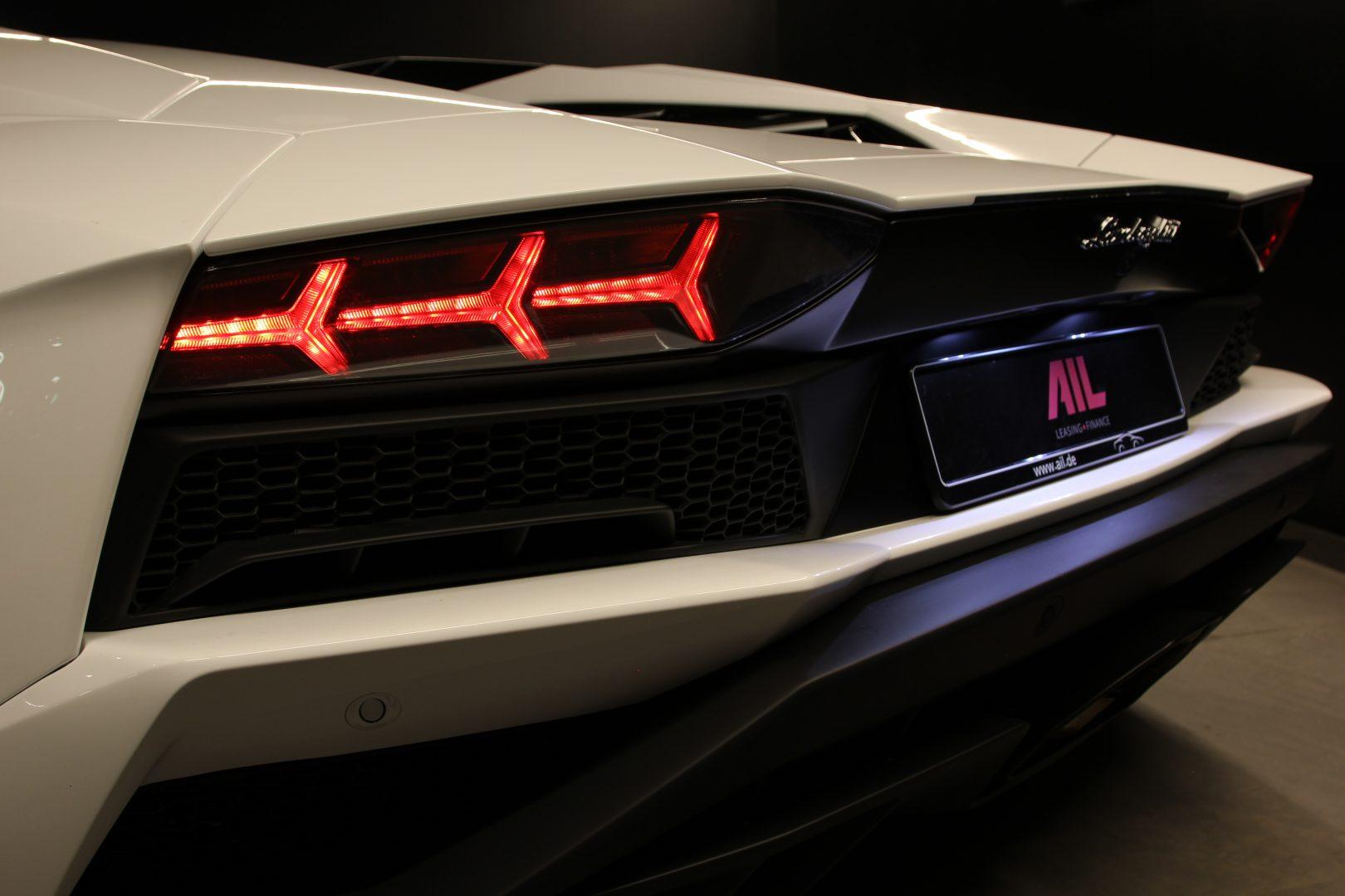 AIL Lamborghini Aventador S Roadster 12