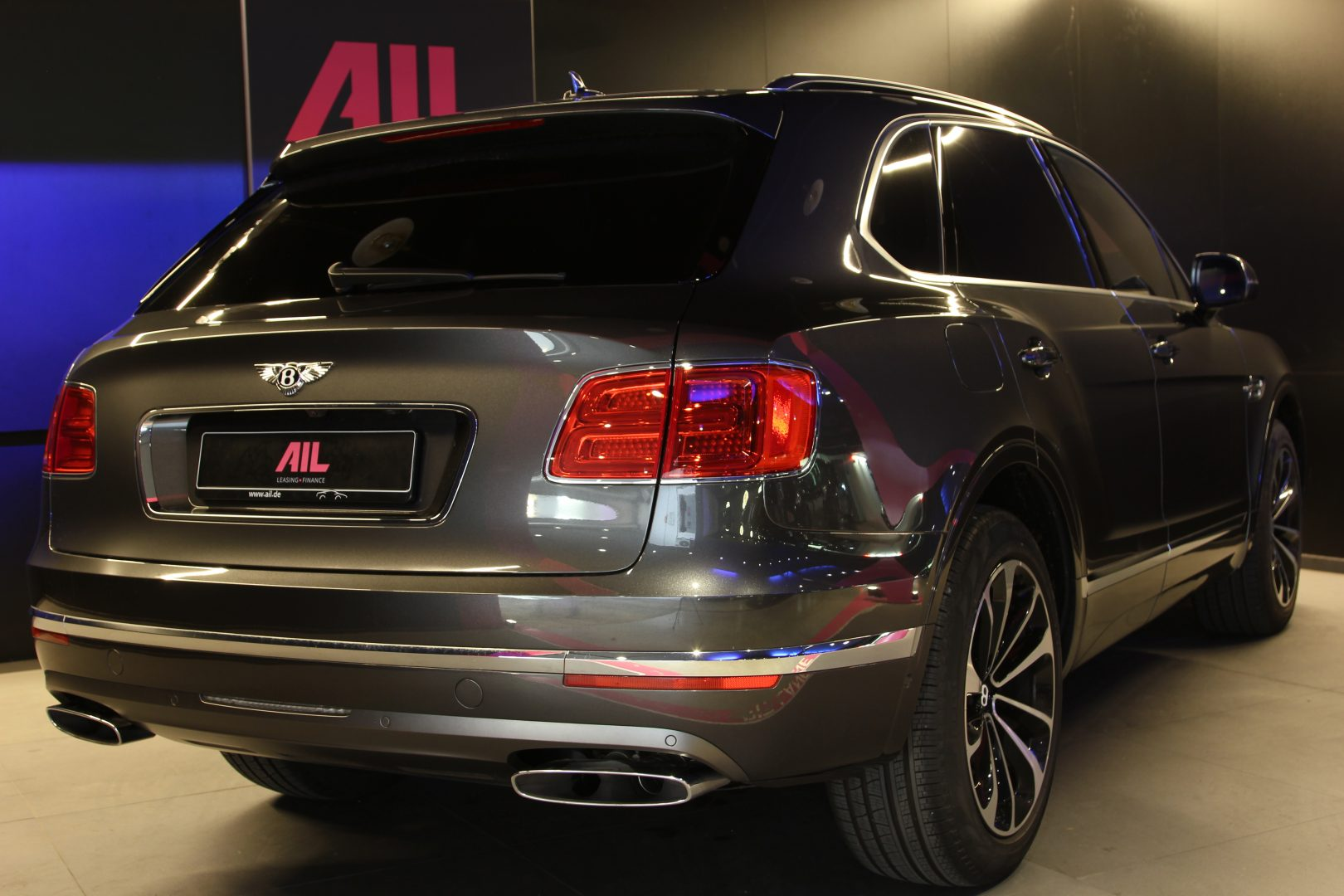 AIL Bentley Bentayga V12 Bi-Turbo RSE Panorama DAB 3