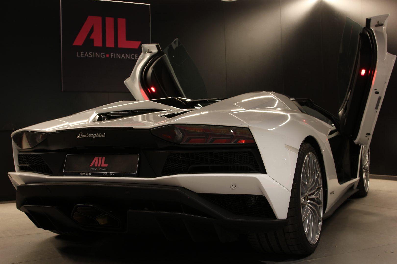 AIL Lamborghini Aventador S Roadster 5