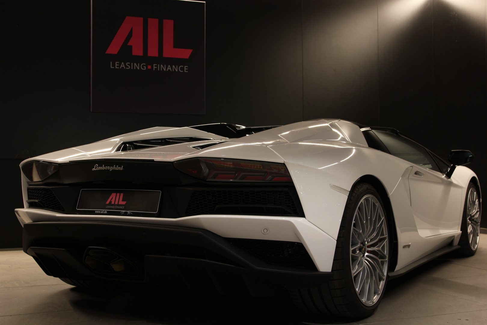 AIL Lamborghini Aventador S Roadster 16