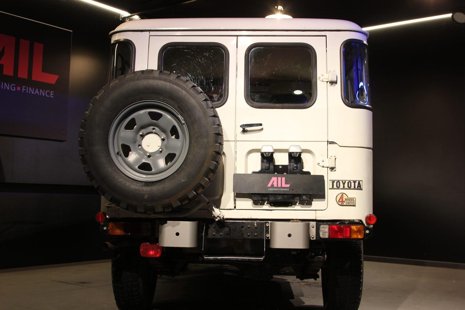 AIL Toyota Landcruiser  2