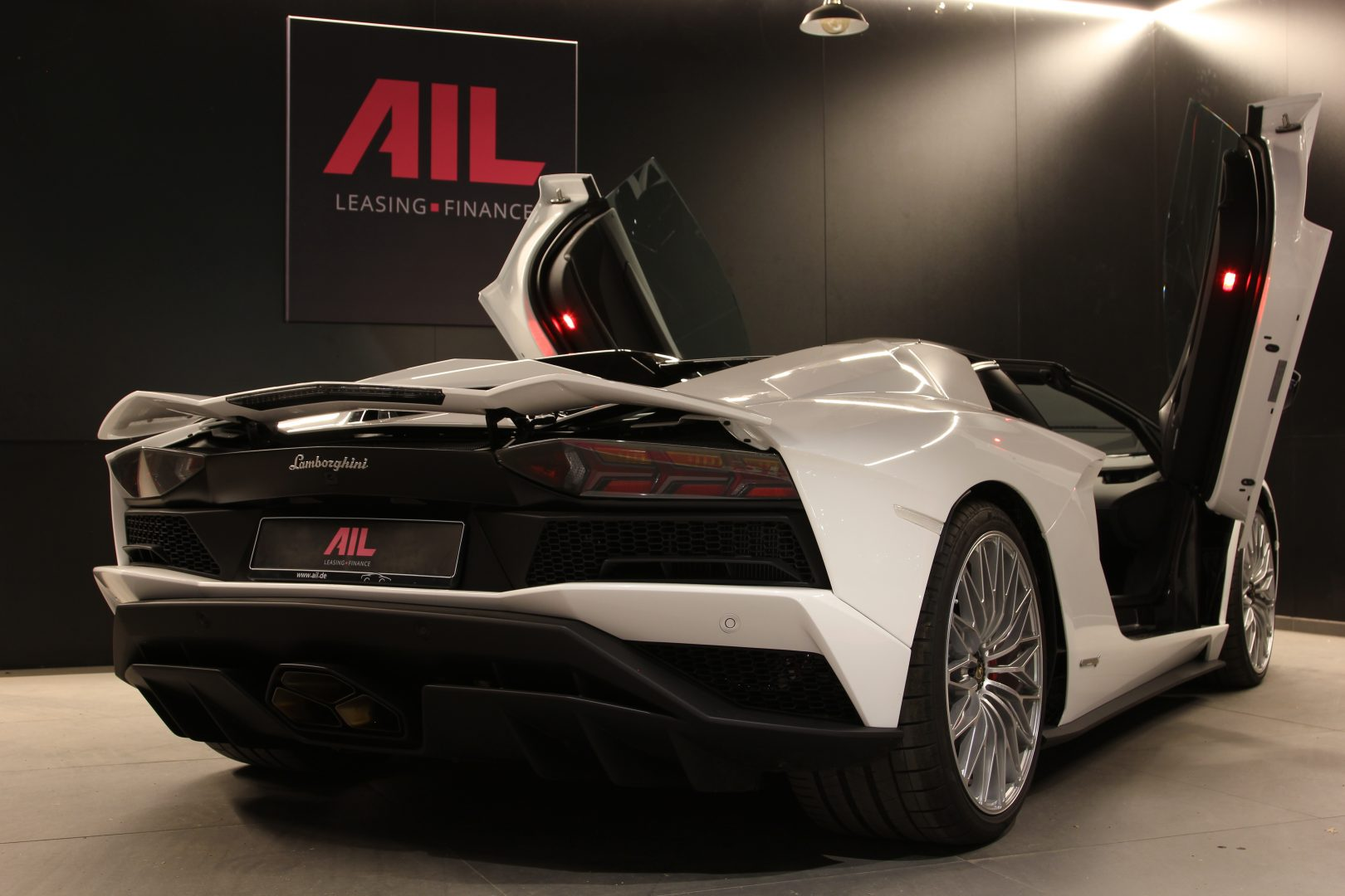 AIL Lamborghini Aventador S Roadster 17