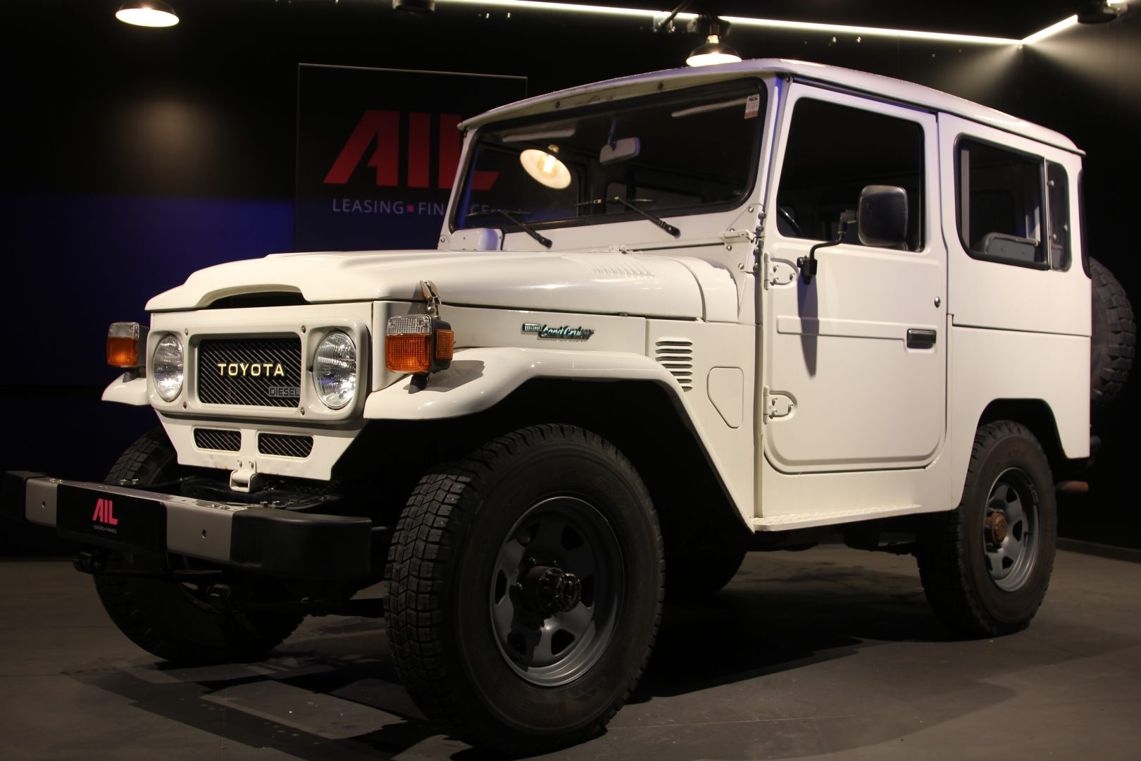 AIL Toyota Landcruiser  7
