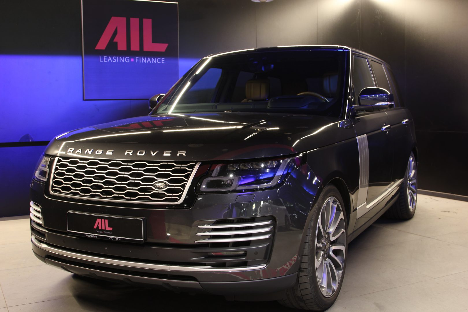 AIL Land Rover Range Rover SDV8 Autobiography 1