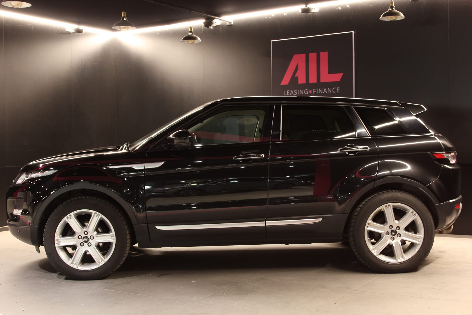 AIL Land Rover Range Rover Evoque Prestige 1