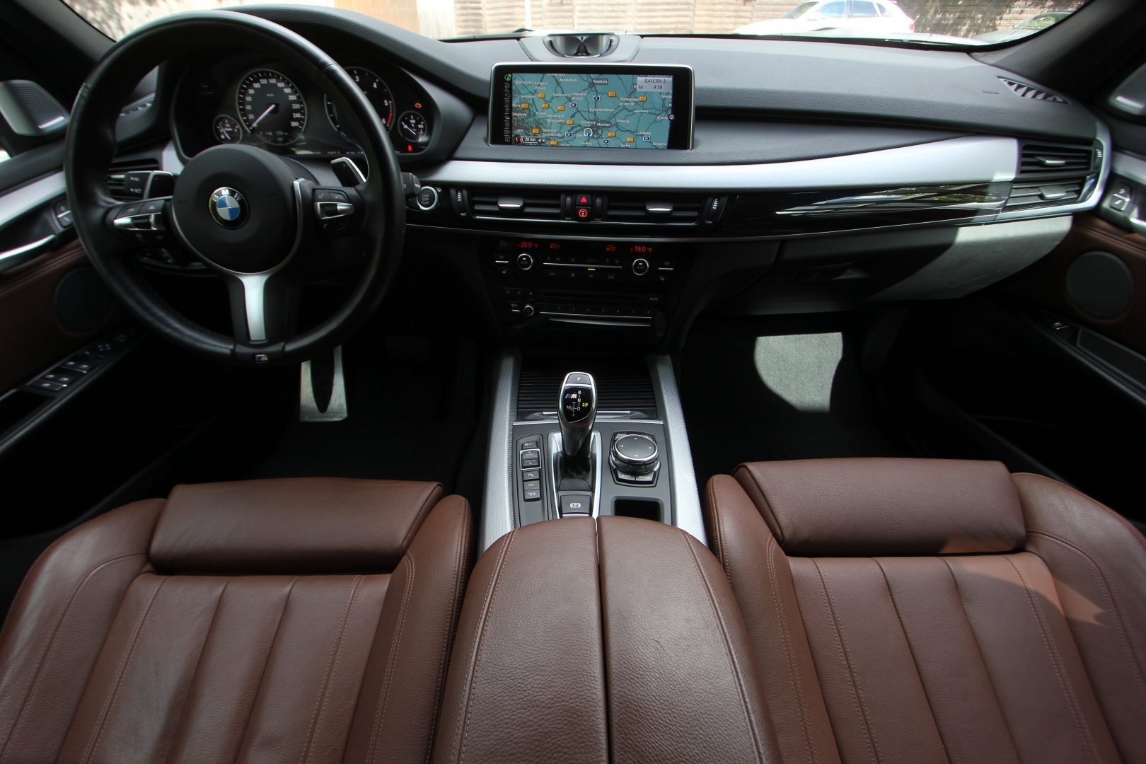 AIL BMW X5 M50d Bang & Olufsen Panorama RSE 17