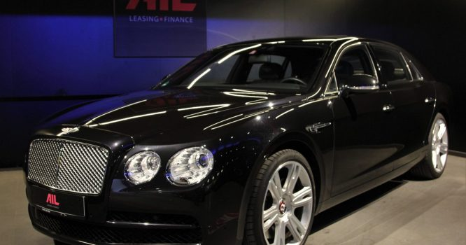 Leasing Bentley Flying Spur 1