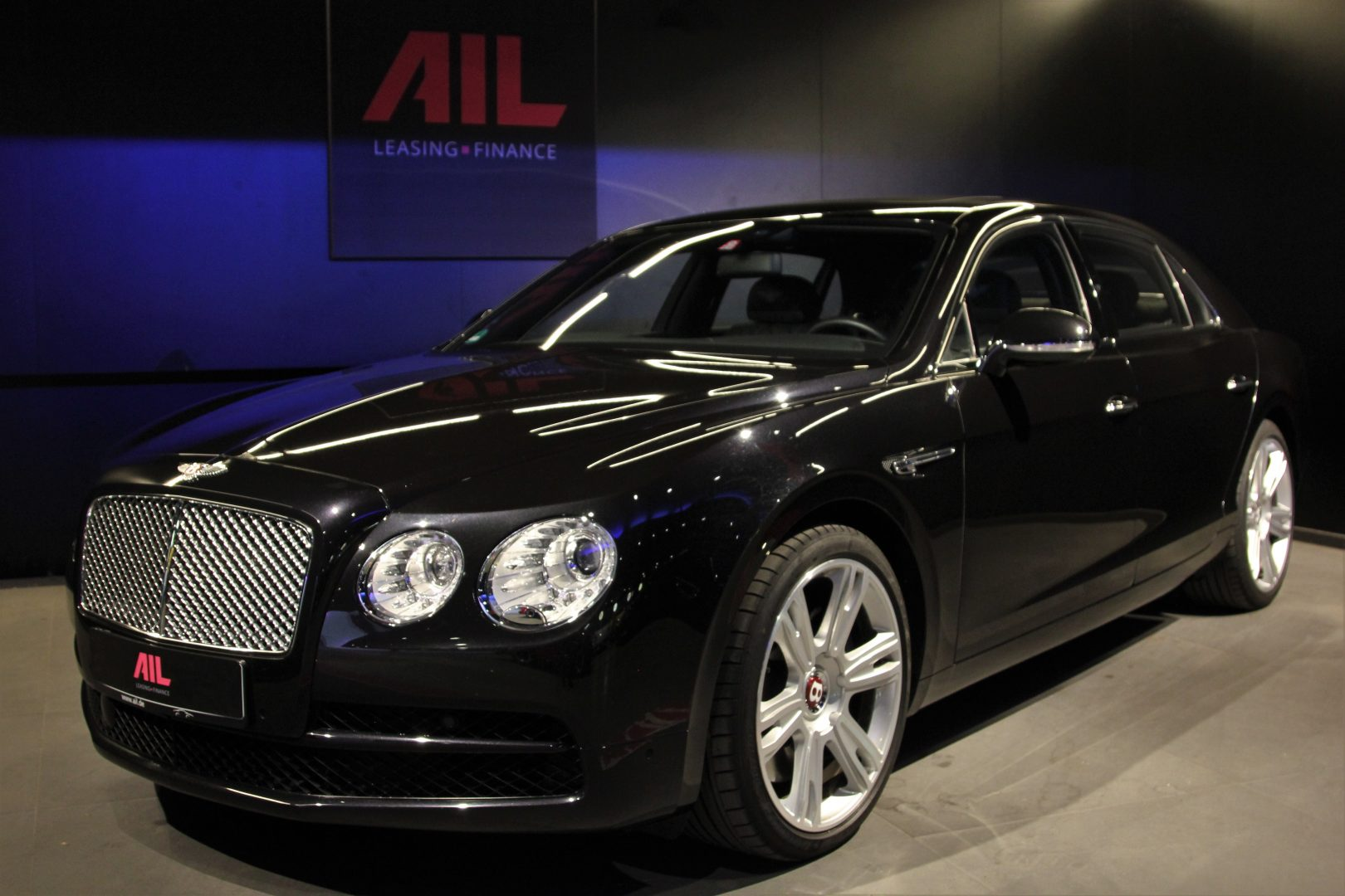AIL Bentley Continental Flying Spur V8  13