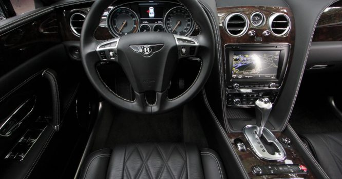 Leasing Bentley Flying Spur 11