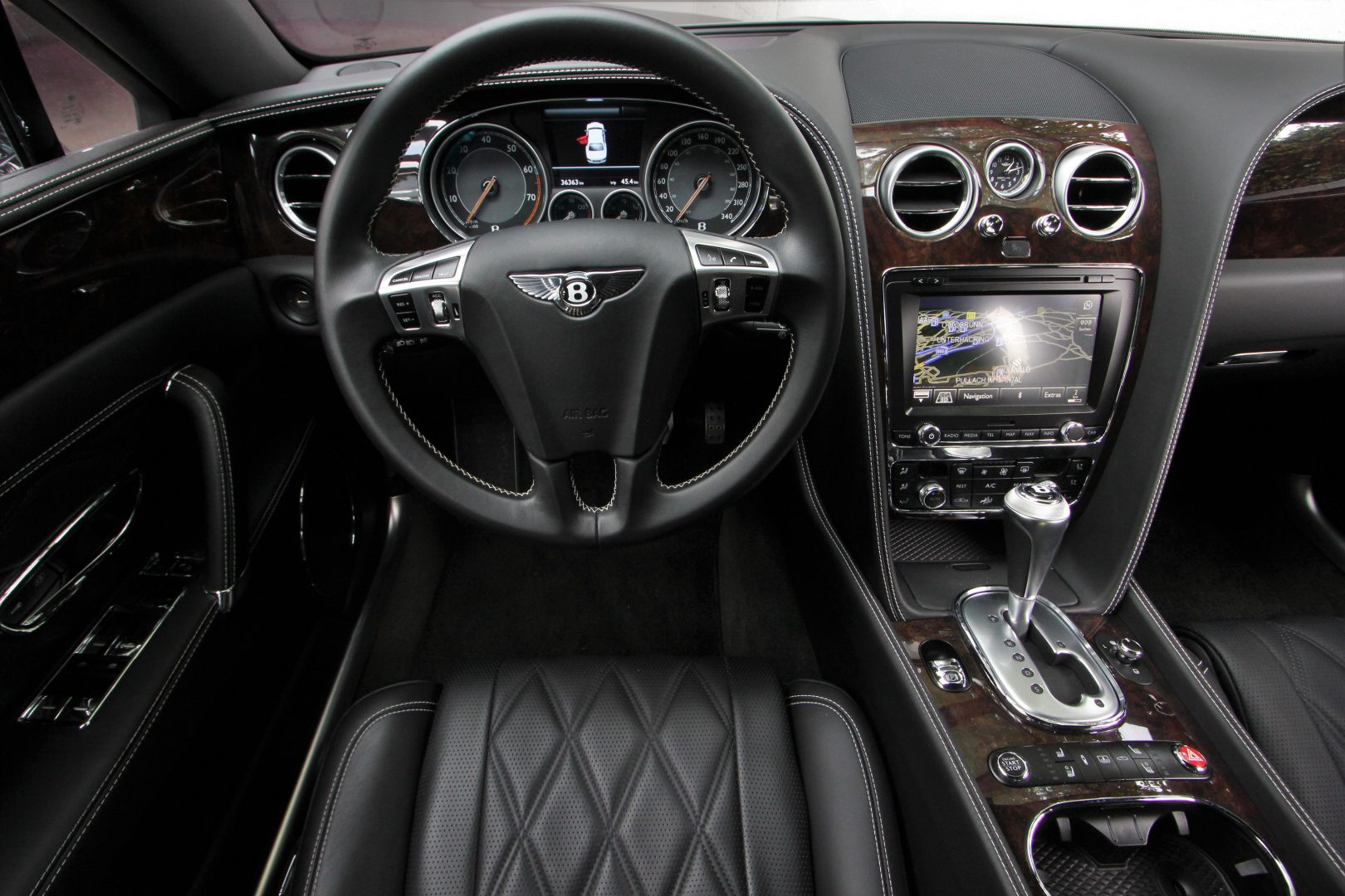 AIL Bentley Continental Flying Spur V8  10