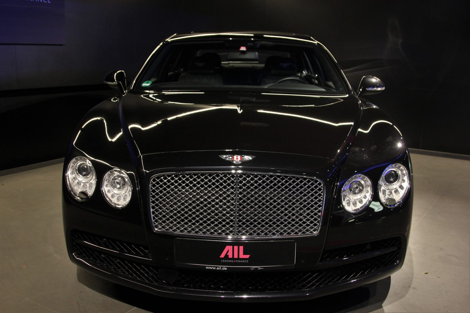 AIL Bentley Continental Flying Spur V8  2